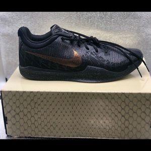 "Nike Kobe Mamba Rage ""Black Gold"""